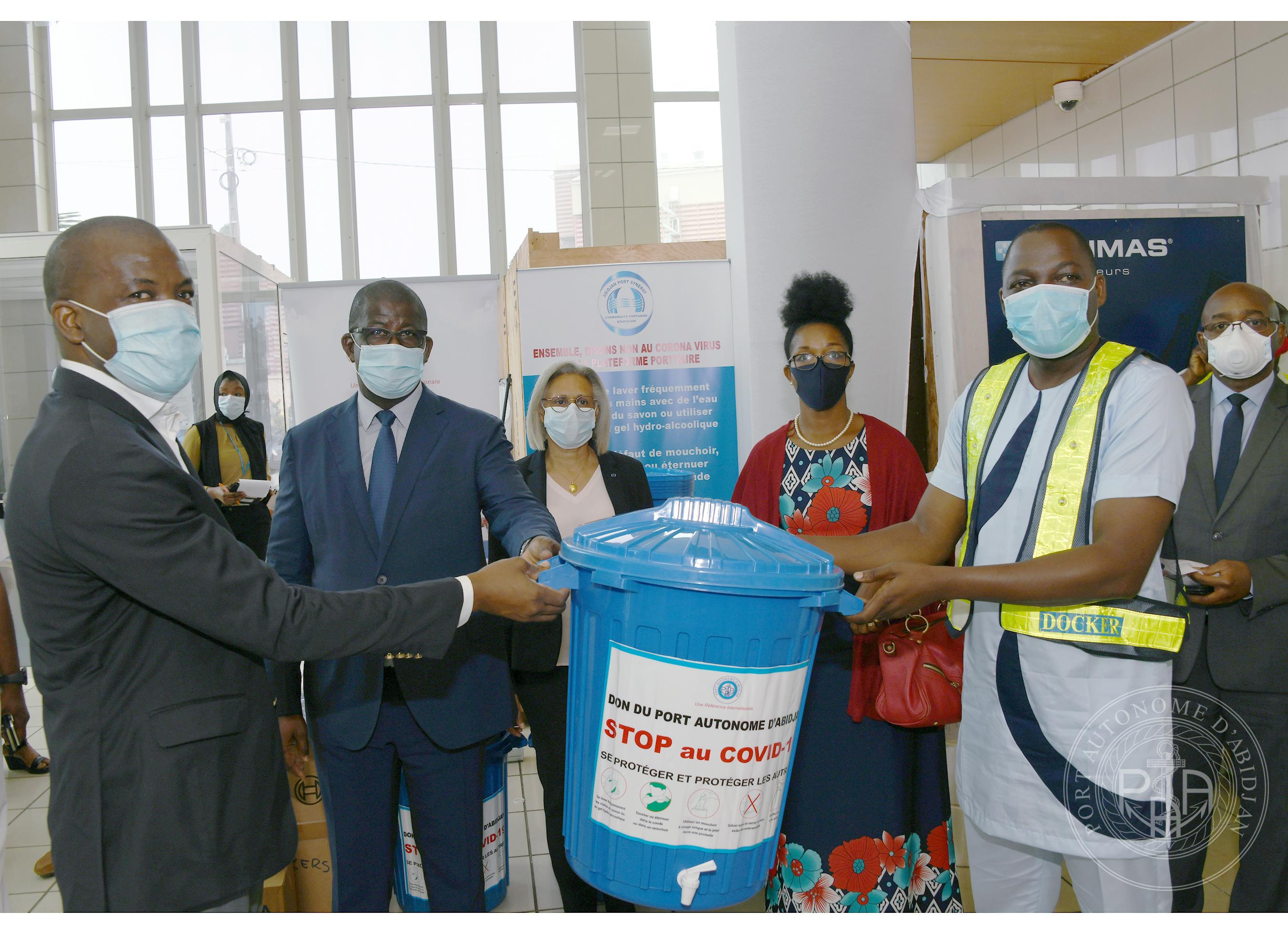 Lutte contre le coronavirus en zone portuaire le Port Autonome d'Abidjan aux côtés des dockers