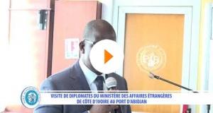 DES DIPLOMATES IVOIRIENS VISITENT LE PORT D'ABIDJAN